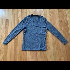 Black/white lululemon long sleeve shirt